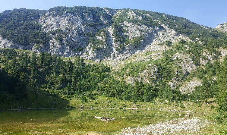 Glacial Lake Liqunat
